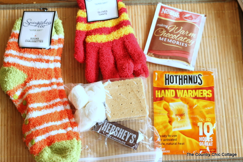 Keep Warm Kit - Gifts in a Jar, supplies .. a good Christmas gift idea for friends!