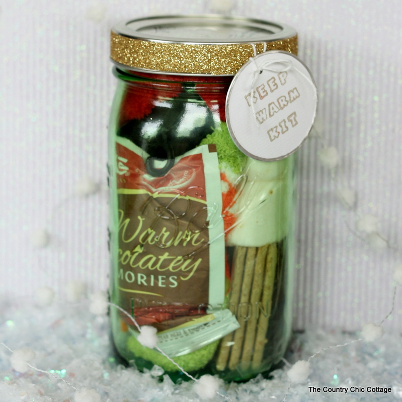Keep Warm Kit - Gifts in a Jar .. a good Christmas gift idea for friends! Adding glitter tape via thirtyhandmadedays.com