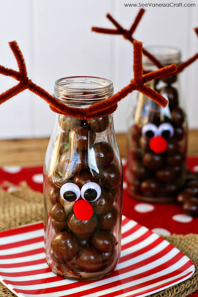 Reindeer Milk Bottle - cute treat idea for Christmas www.thirtyhandmadedays.com