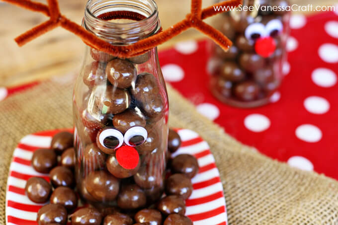 Reindeer Milk Bottle - cute treat idea for Christmas via www.thirtyhandmadedays.com