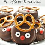 Super easy and fun reindeer peanut butter Ritz holiday cookies | Thirty Handmade Days