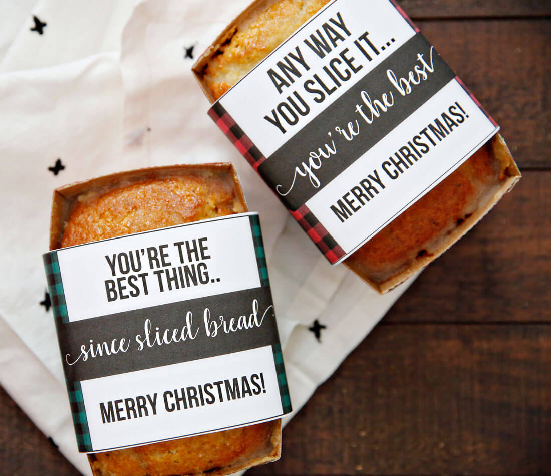Christmas Bread Wrappers - use these cute printable wrappers to make your bread extra special. via thirtyhandmadedays.com