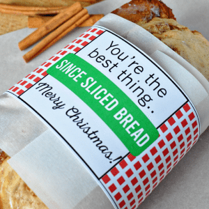 Printable Christmas Bread Wrapper - print these and use to deliver bread to friends and family! from www.thirtyhandmadedays.com