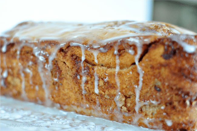 Easy to make quick bread- Cinnamon Roll Bread. The perfect treat for the holidays or anytime of year! www.thirtyhandmadedays.com
