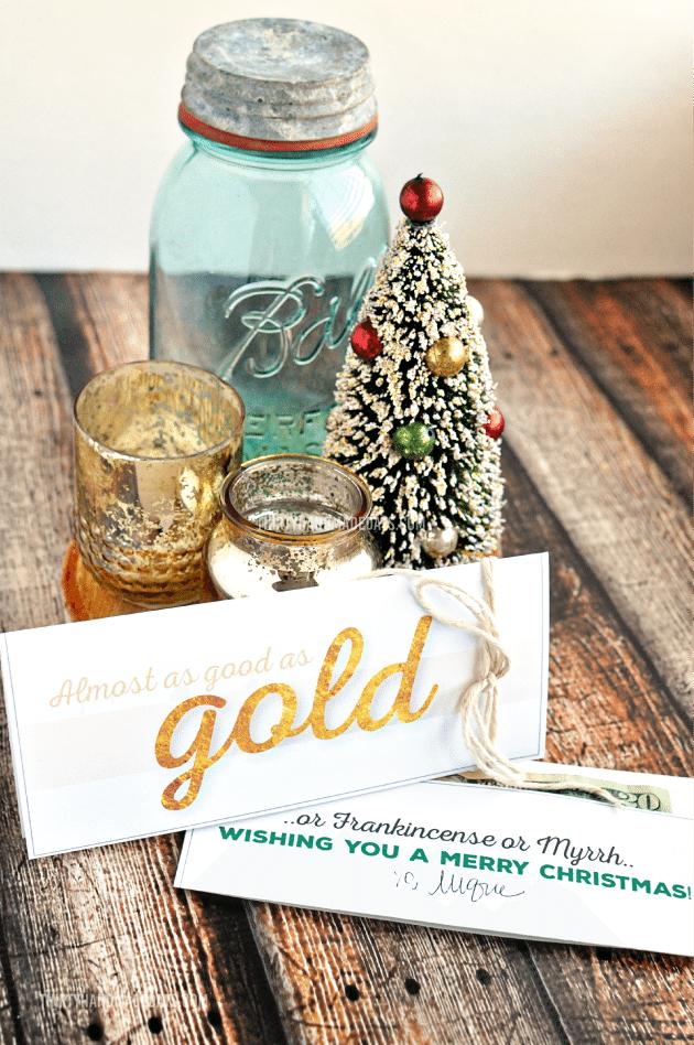 Printable Gold  Christmas Money Card Holder - perfect gift idea for the holidays hirtyhandmadedays.com
