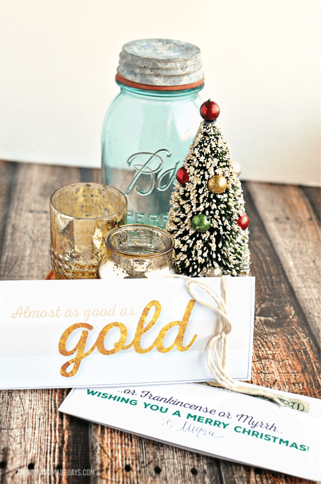 Printable Gold  Christmas Money Card Holder - perfect gift idea for the holidays  | Thirty Handmade Days