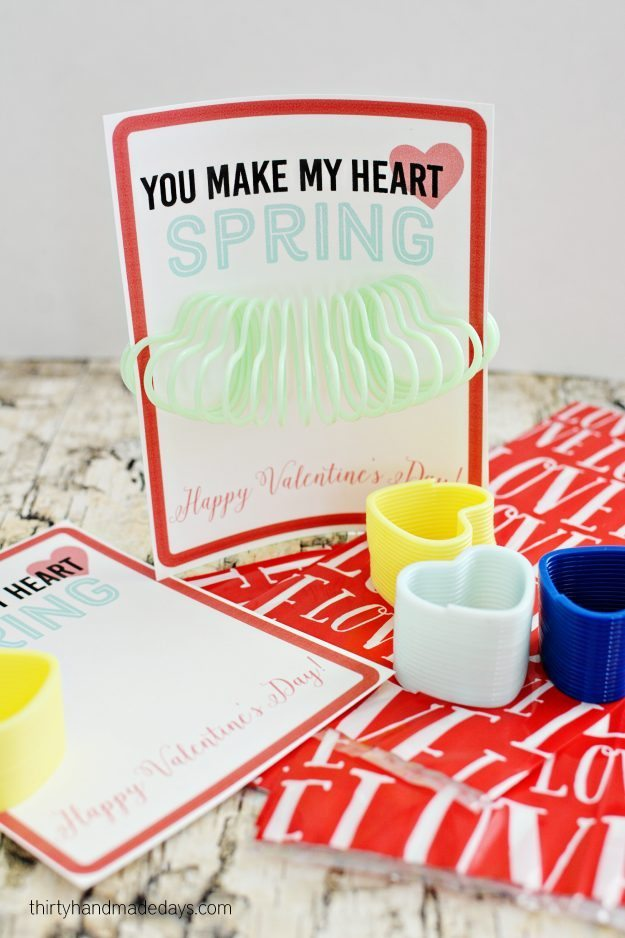 Printable Slinky Valentines - print out these cute Valentine's to hand out at school. thirtyhandmadedays.com