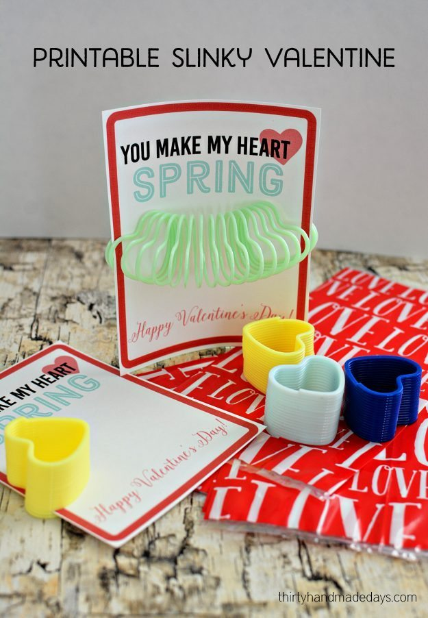 Printable Slinky Valentines - print out these cute Valentine's to hand out at school. www.thirtyhandmadedays.com