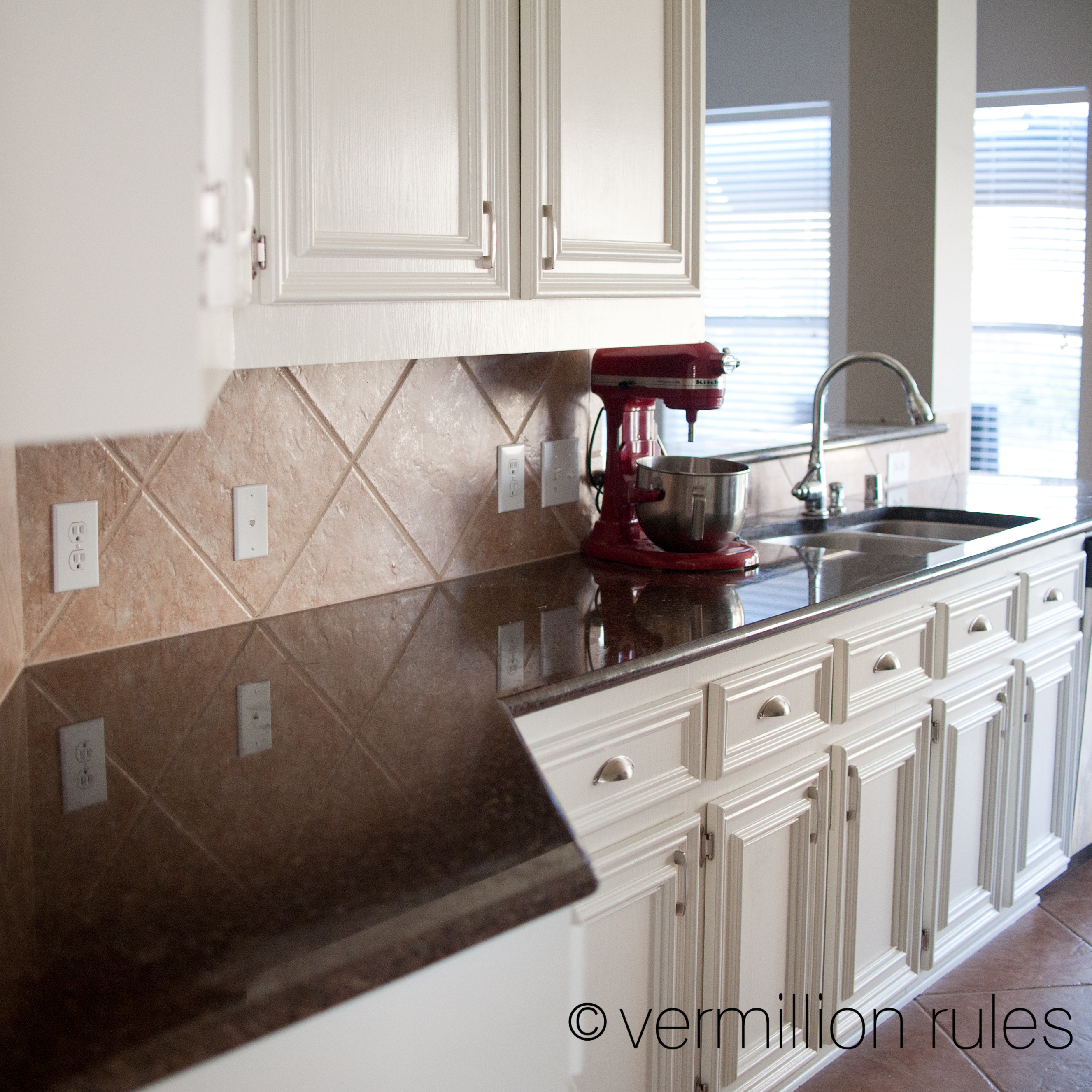 Material For Kitchen Cabinet: A DIY Project: Painting Your Kitchen Cabinets