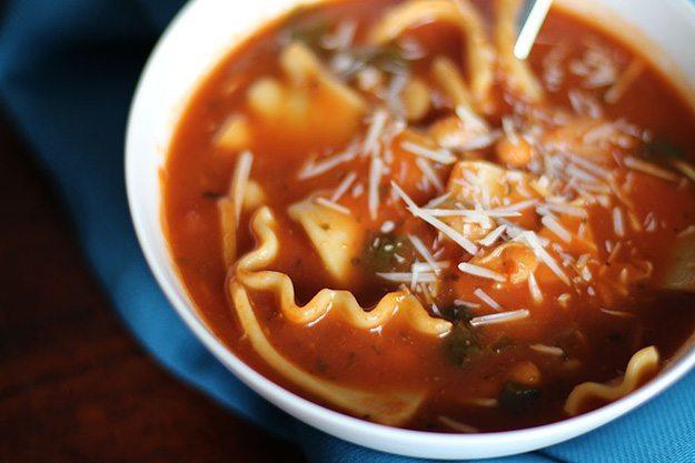 Simple Slow Cooker Lasagna Soup