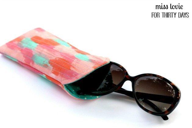 10 Abstract Art Sunglasses Case