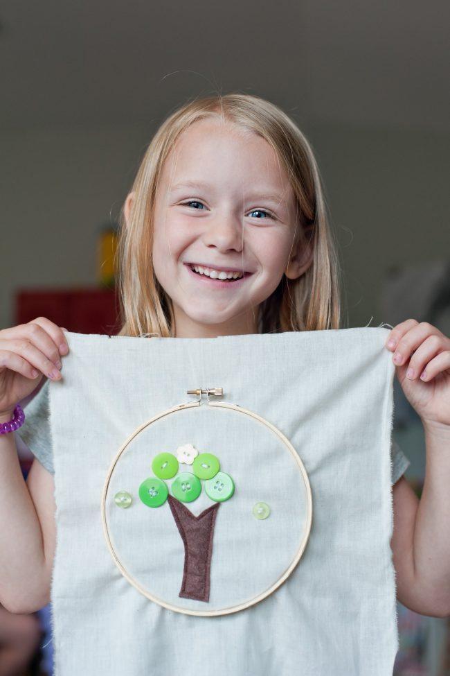Teaching Kids to Hand Sew from Vermillion Rules via Thirty Handmade Days