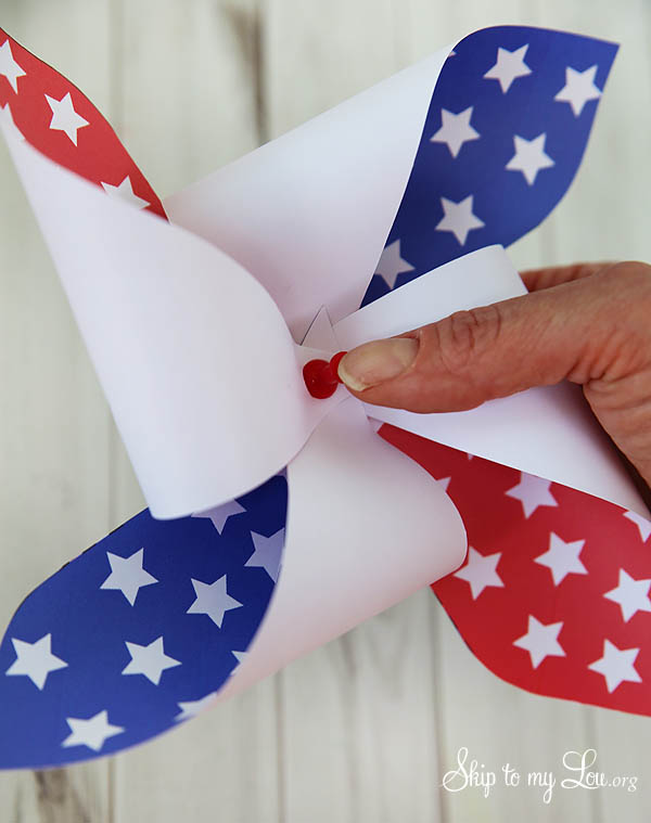 4th of July Patriotic Printable Pinwheel - pull paper into the middle