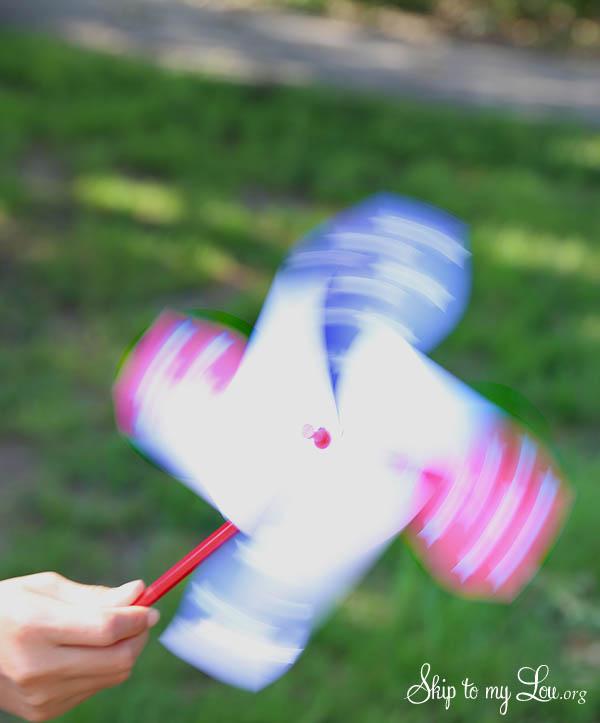 4th of July Patriotic Printable Pinwheel - spinning