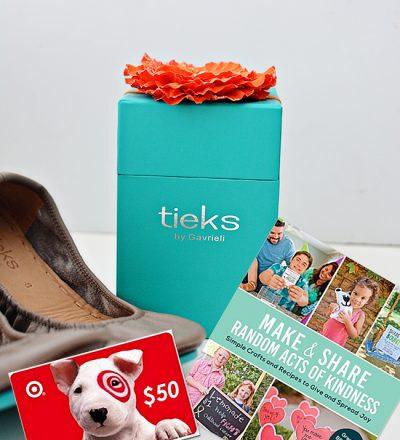 Favorite Things Giveaway from www.thirtyhandmadedays.com