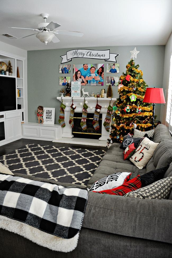 Our family room for Christmas thirtyhandmadedays.com