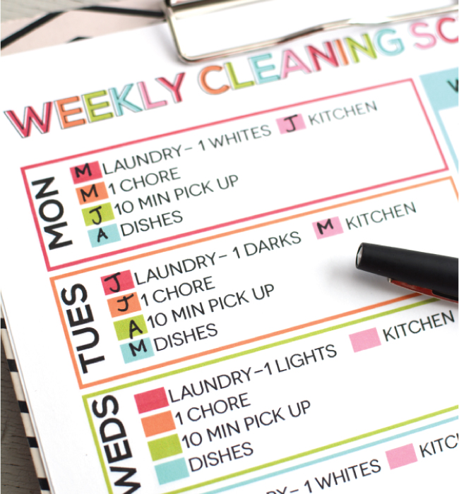 Weekly Printable Cleaning Schedule from www.thirtyhandmadedays.com