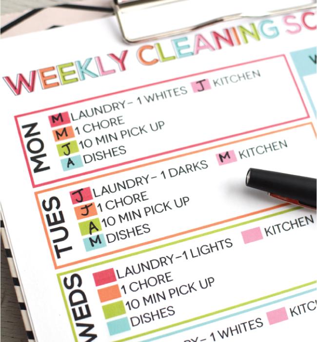 Weekly Printable Cleaning Schedule from www.thirtyhandmadedays.com