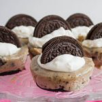 Oreo Cheesecake Bites - perfectly creamy with an awesome Oreo cookie base and throughout. You'll love this take on cheesecake.