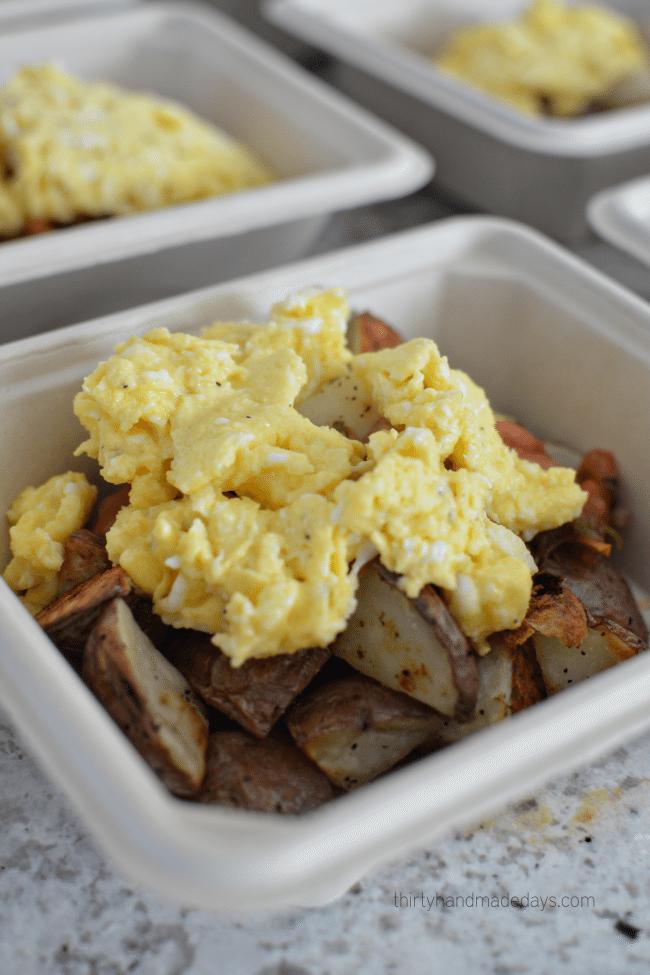 Hearty Breakfast Bowl -adding eggs www.thirtyhandmadedays.com