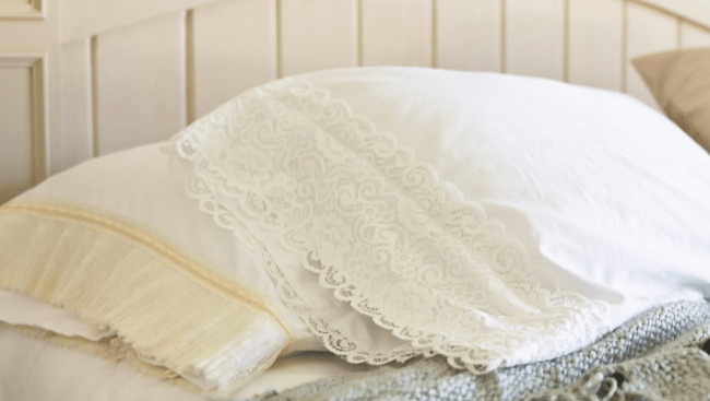 Make your own lace pillowcases