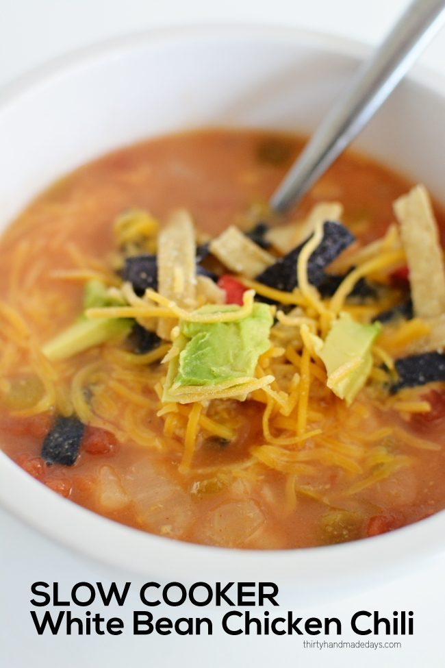 Slow Cooker White Bean Chicken Chili - a delicious main dish to try out. www.thirtyhandmadedays.com