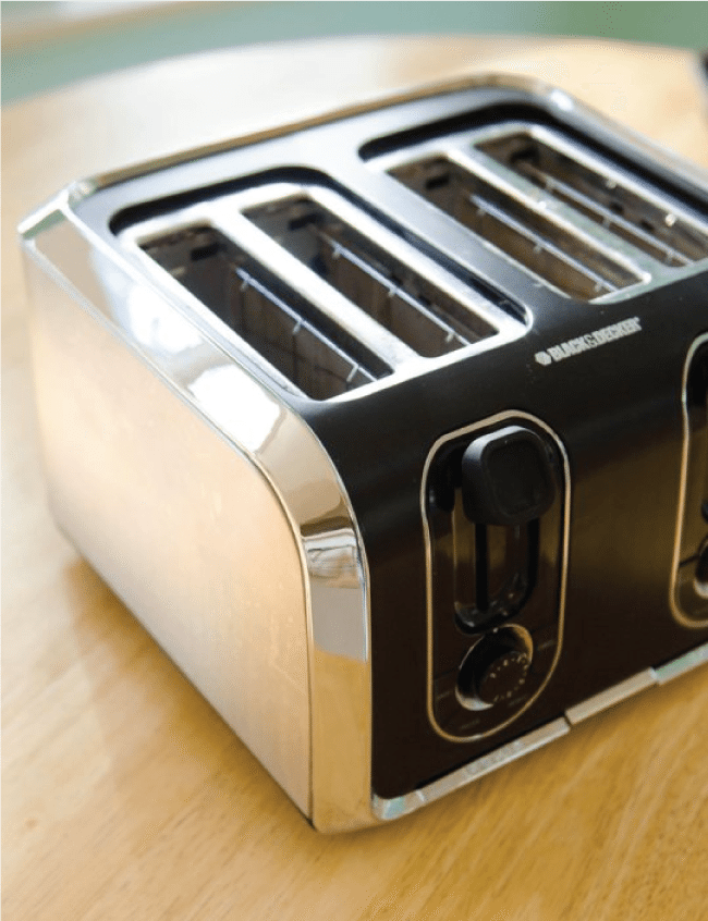 How to clean the toaster