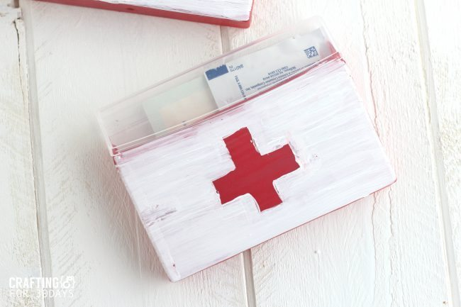 Gum container turned First Aid Kit from CraftingE