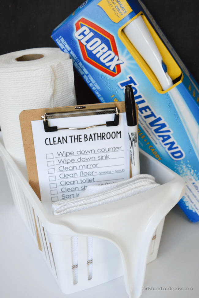 Spring cleaning: How to clean the bathroom www.thirtyhandmadedays.com