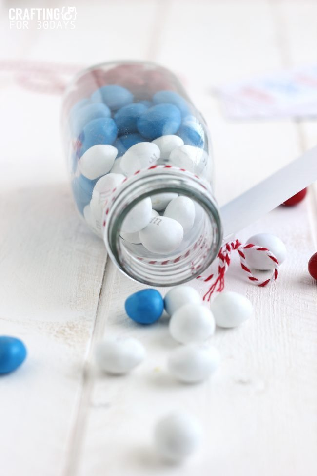 4th of July Gift Idea- cute jar with printable!  from CraftingE via www.thirtyhandmadedays.com