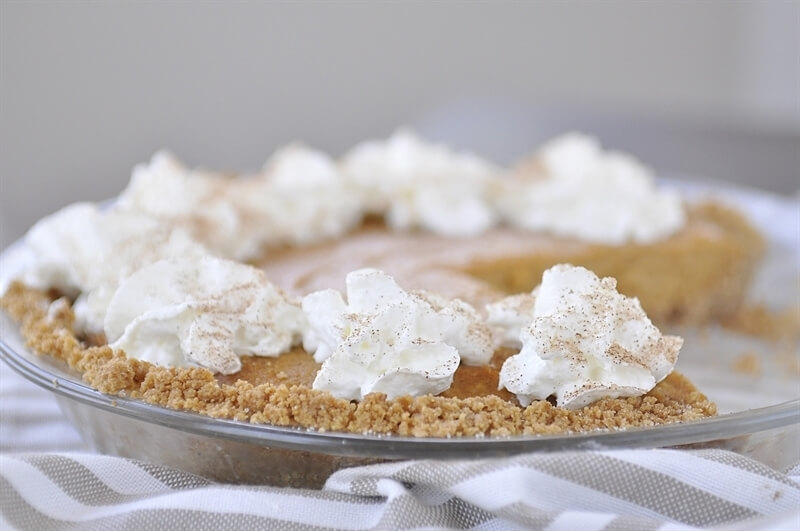 If you love pumpkin pie but don't want to put in all the work, this is the pumpkin pie recipe for you! You'll love this no bake version. via thirtyhandmadedays.com