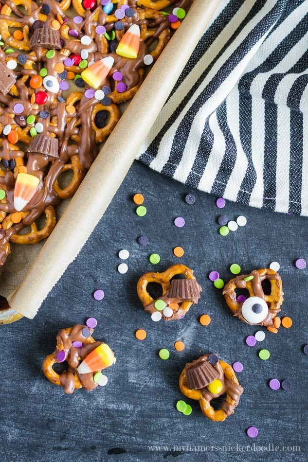 Fun Halloween Recipe to try - Trick or Treat Candy Pretzels!