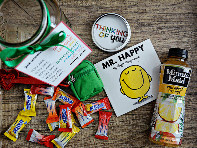 Rainbow Mason Jar Gift Idea supplies - the perfect thing to give to someone who is doing a good job. Free printables included! From thirtyhandmadedays.com