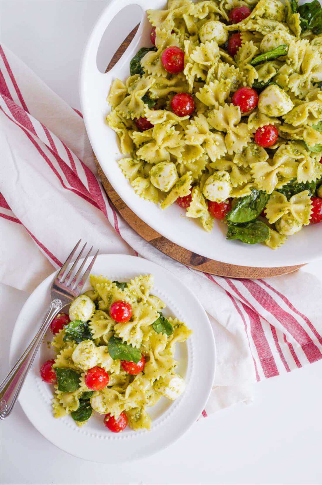 Pesto Pasta Salad Recipe - a take on an old classic. This pasta recipe is so good! www.thirtyhandmadedays.com