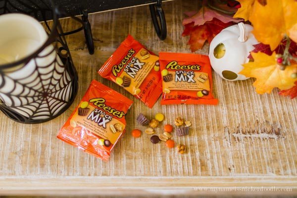 Simple Trick or Treat Idea for Halloween with Reese's Snack Mix from Thirty Handmade Days