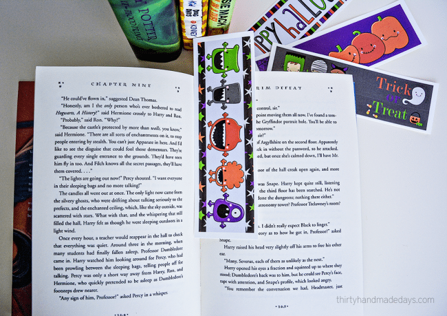 Non Candy Halloween Idea- Printable Bookmarks: these are great for classroom treats! from thirtyhandmadedays.com