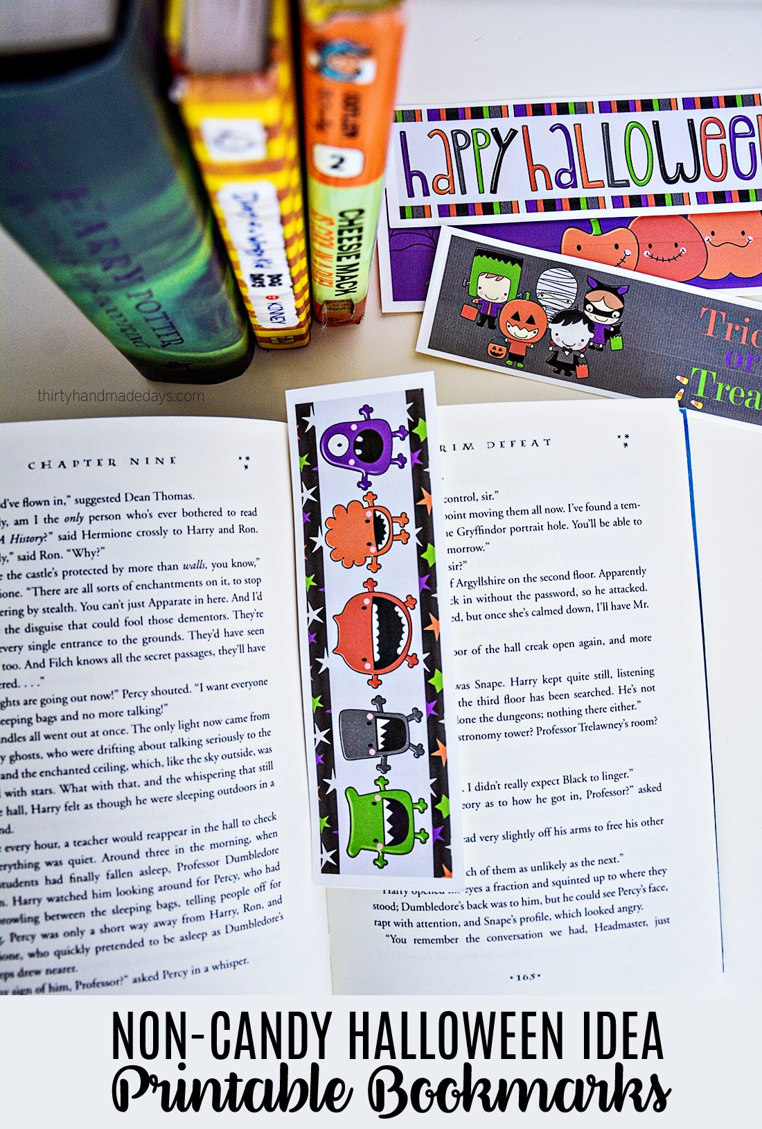 Non Candy Halloween Idea- Printable Bookmarks: these are great for classroom treats! via www.thirtyhandmadedays.com