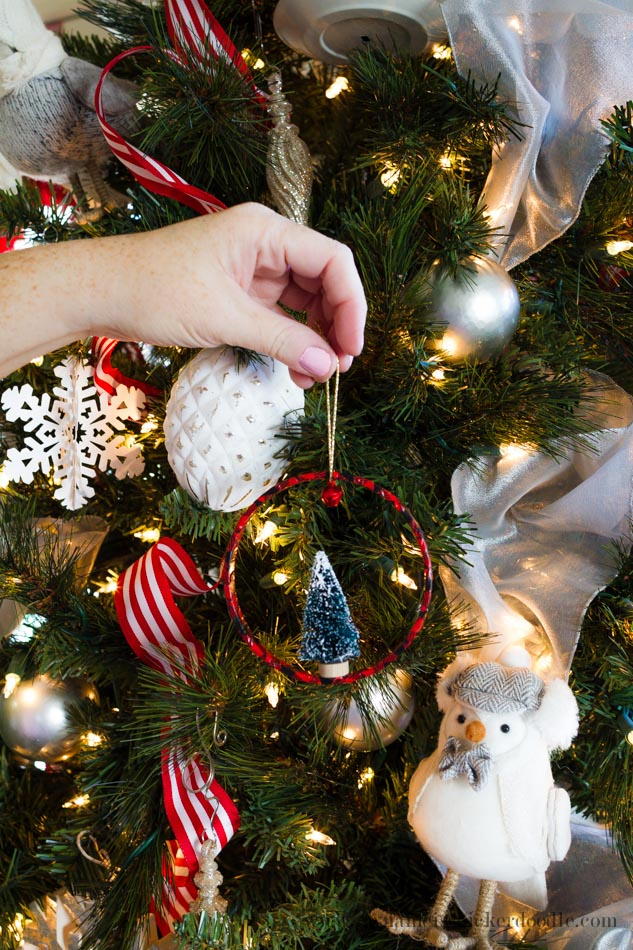 Adorable Christmas Tree Ring Ornaments are super easy and inexpensive to make!