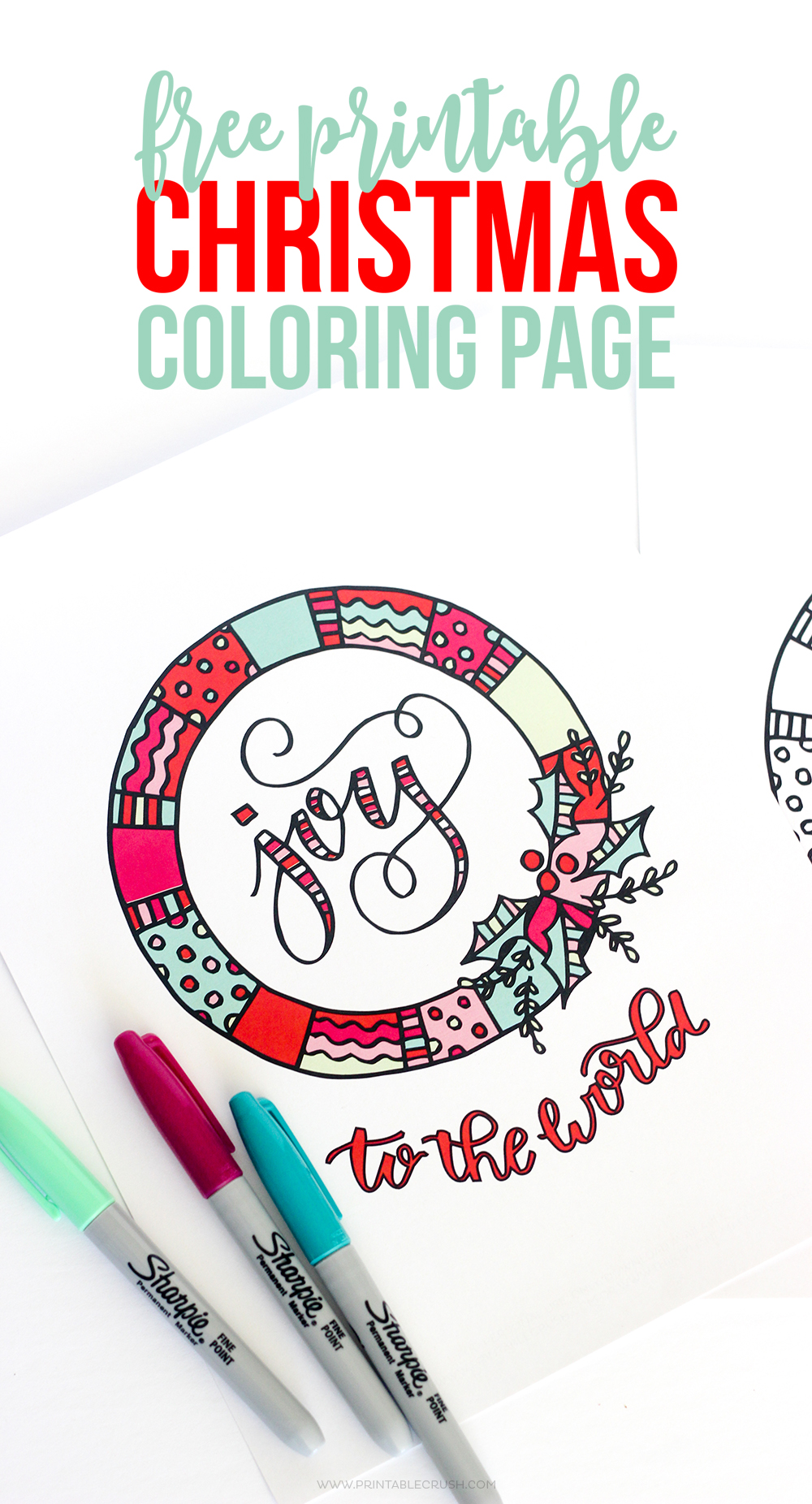 Holidays: Print out this adorable Christmas Coloring Page from Erin for Bake Craft Sew. Your family will have fun coloring them in - perfect for travel!