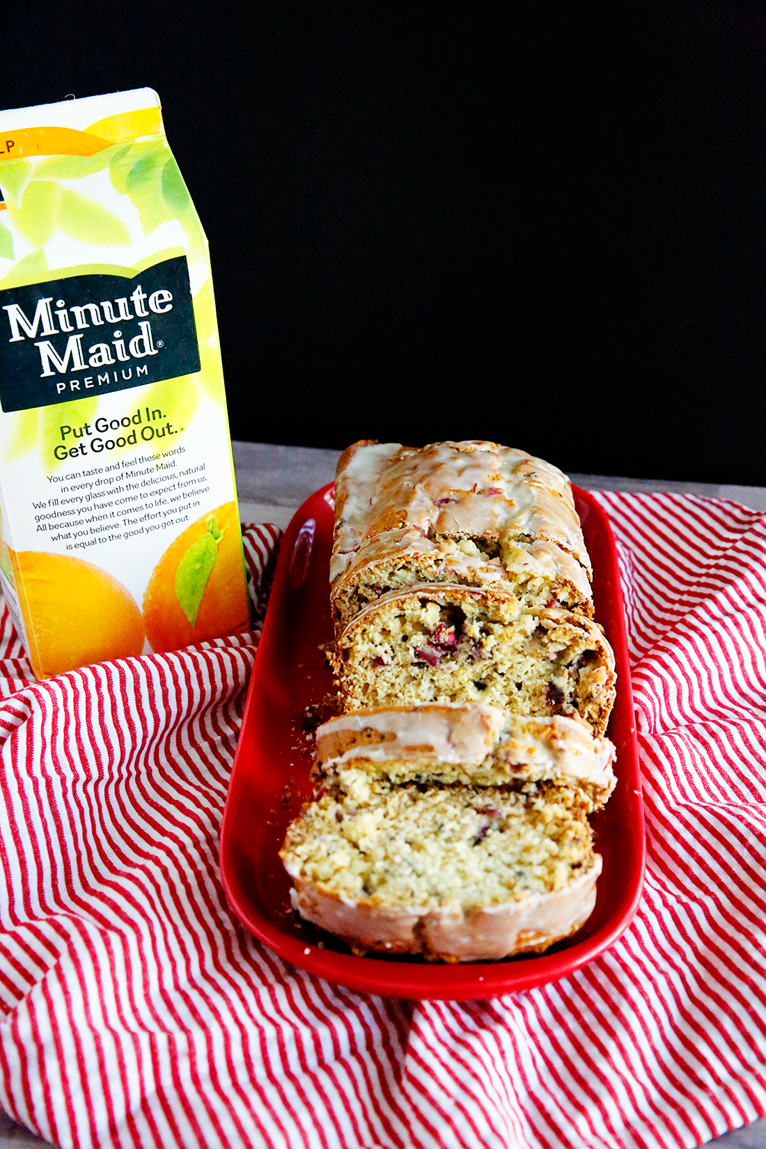 Cranberry Orange Quick Bread- an amazingly delicious bread to make and awesome for the holidays! www.thirtyhandmadedays.com