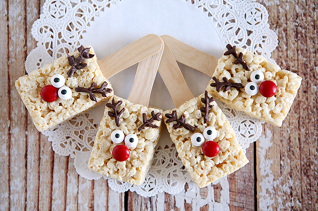 Holidays: Reindeer Rice Krispies - the cutest treat you will see all Christmas season. Make this recipe and deliver them to family and friends! From Eighteen 25