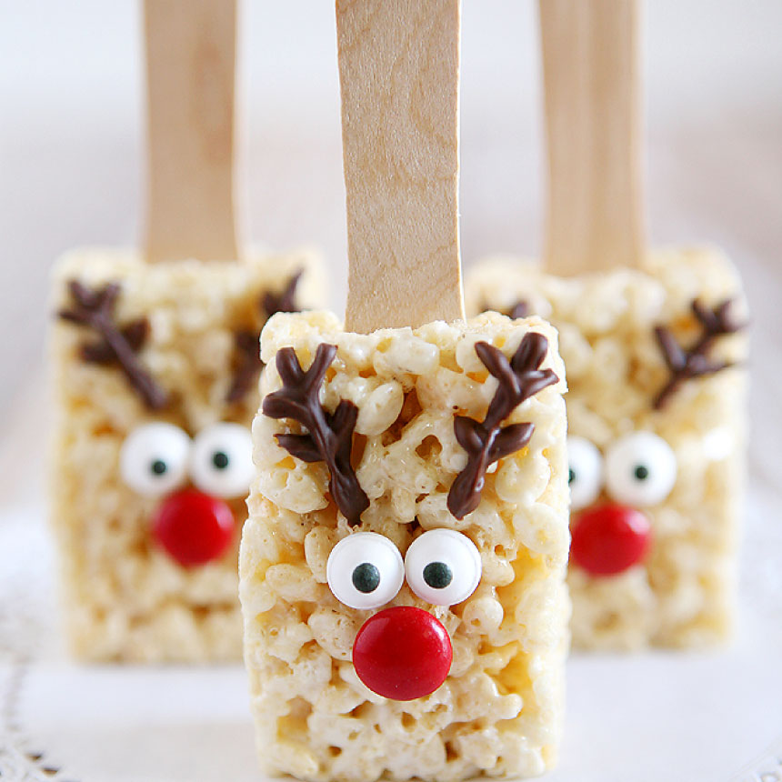 The very best Reindeer Treats - Reindeer Rice Krispies - make some of these to use with the reindeer printable tags from www.thirtyhandmadedays.com