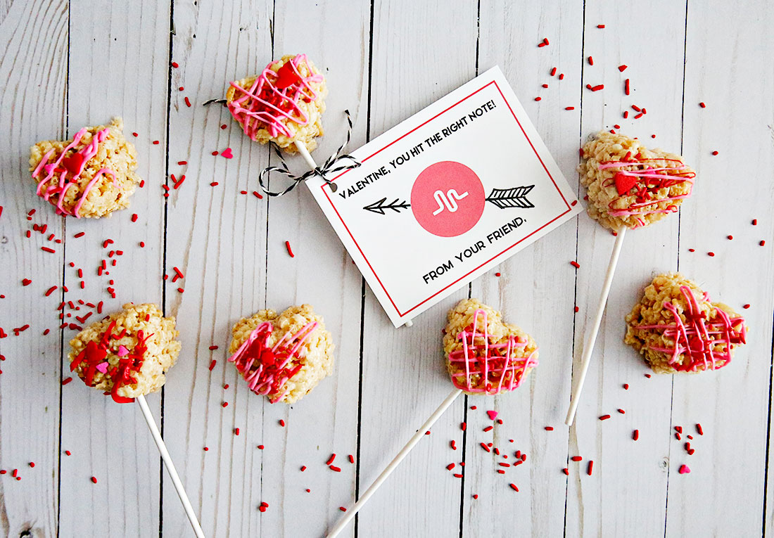 Food: Heart Rice Krispie Treats! Perfect for Valentine's Day - these yummy and cute treats will hit the spot!