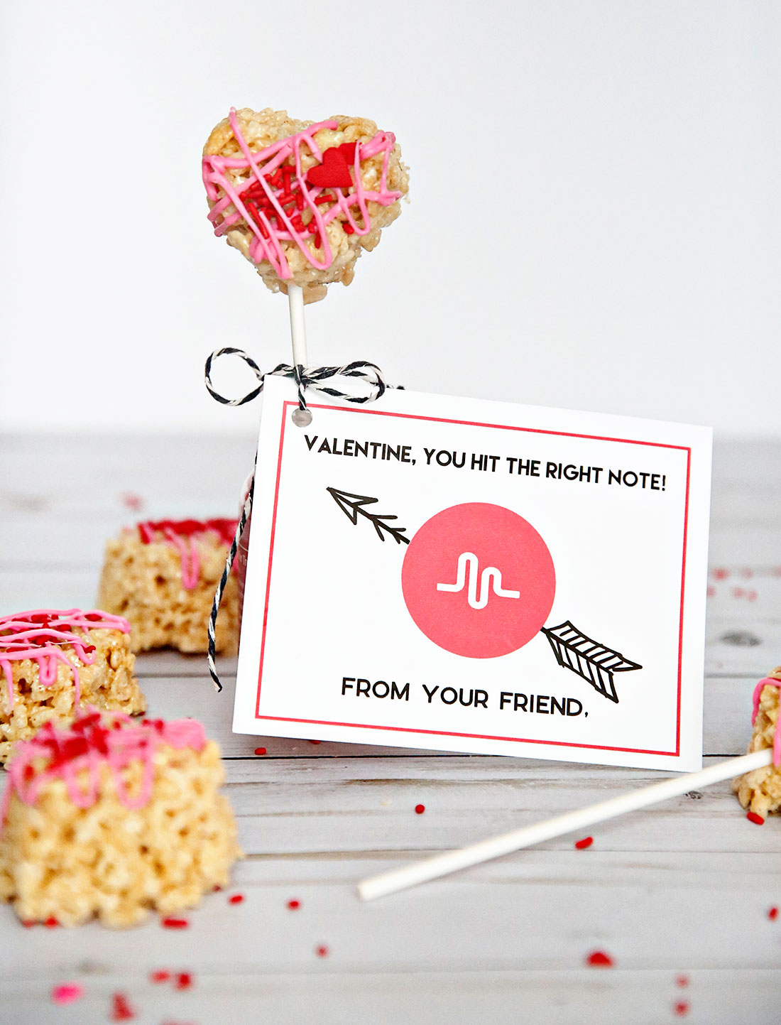 Holiday and party: Musical.ly Valentine's Day Printable --perfect valentine's card for your tween or teen. www.thirtyhandmadedays.com