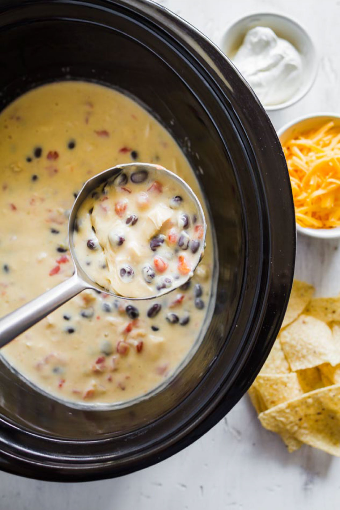 Food: Slow Cooker Mexican Chicken Soup - an easy to throw together soup in the crockpot. Yum! thirtyhandmadedays.com