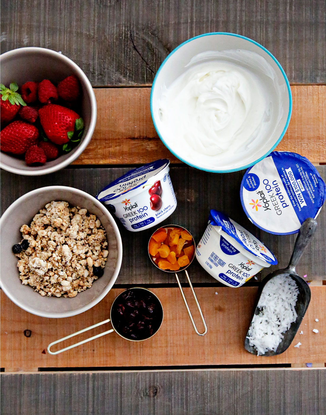 Food: Greek Yogurt Bowl for Breakfast - the perfect way to start your day!