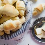 Food: The best dinner rolls - tasty, buttery, soft dinner rolls that will melt in your mouth. from www.thirtyhandmadedays.com
