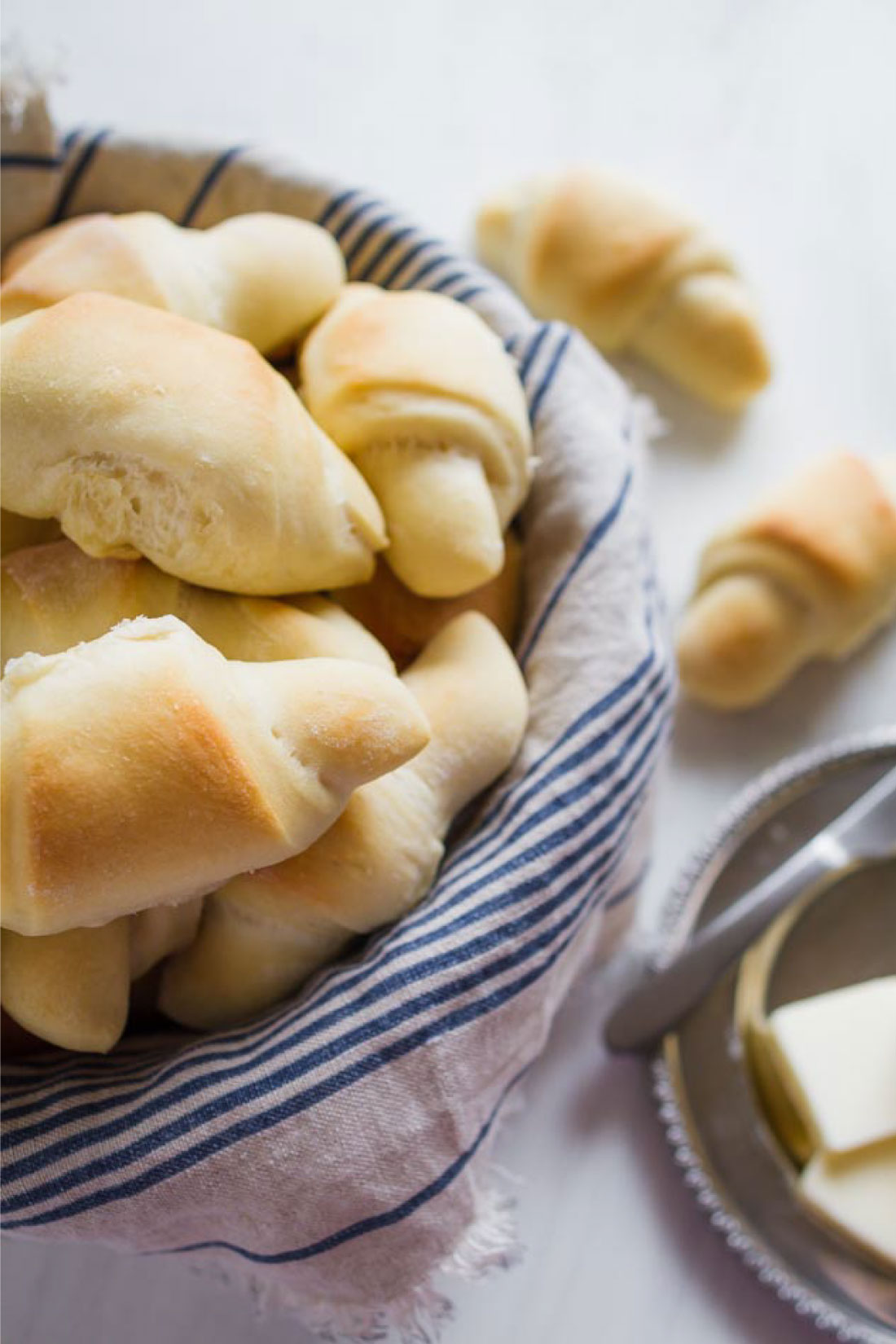 Food: The best dinner rolls - tasty, buttery, soft dinner rolls that will melt in your mouth. www.thirtyhandmadedays.com