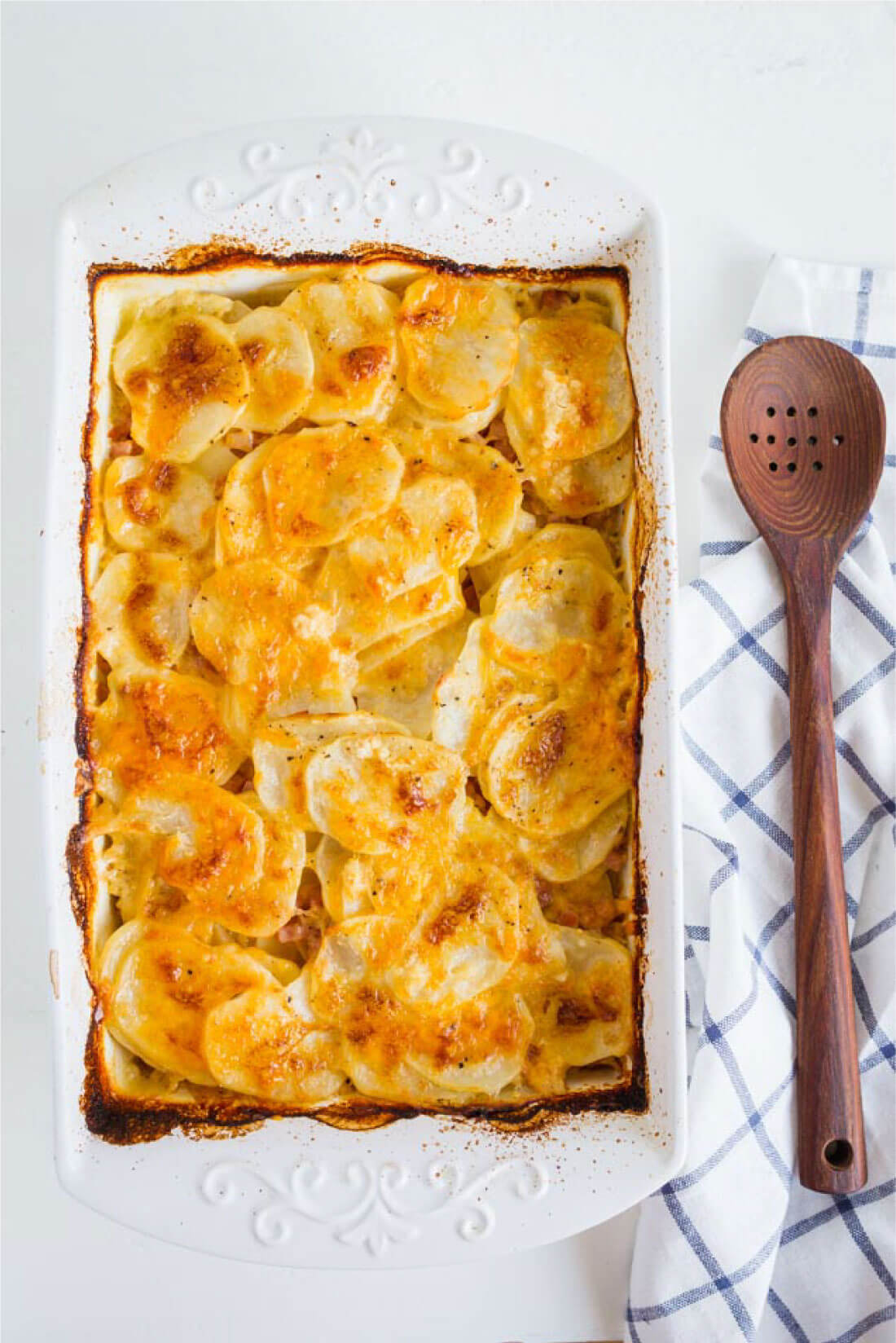 The best Scalloped Potatoes ever- made by mom from www.thirtyhandmadedays.com
