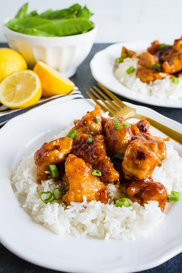 Asian Lemon Chicken is super simple to make and faster than ordering take out! Try out this Asian Lemon Chicken Recipe and it'll be your new favorite via www.thirtyhandamdedays.com